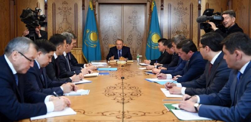 Нурсултан Назарбаев провел первое совещание с работниками канцелярии Первого Президента