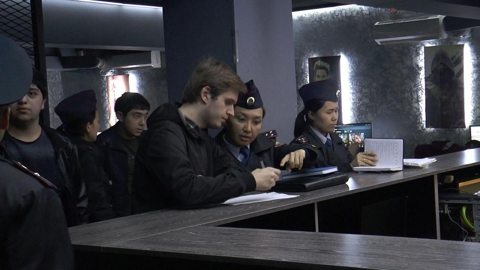 Полицейские Алматы провели рейд по компьютерным клубам