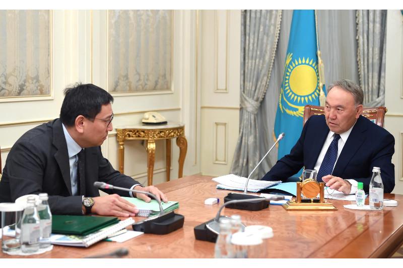 Глава Нацбанка доложил Первому Президенту о состоянии валютно-финансового рынка