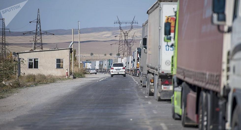Премьер-министр Кыргызстана назвал сроки улучшения ситуации на границе с Казахстаном