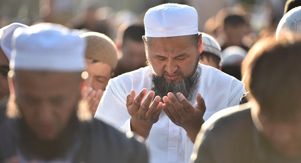 Сетевой маркетинг и пластические операции запретили мусульманам в Кыргызстане