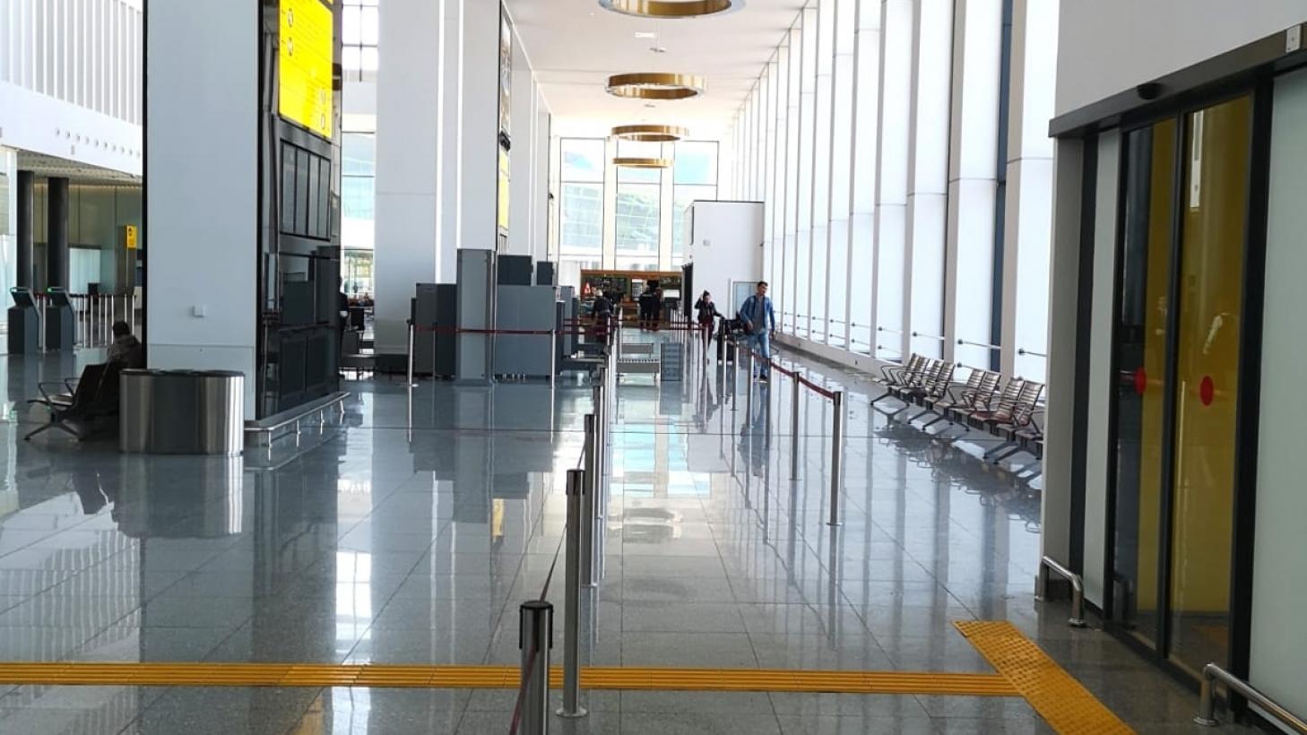 В аэропортах Нур-Султана и Алматы усиливают меры безопасности