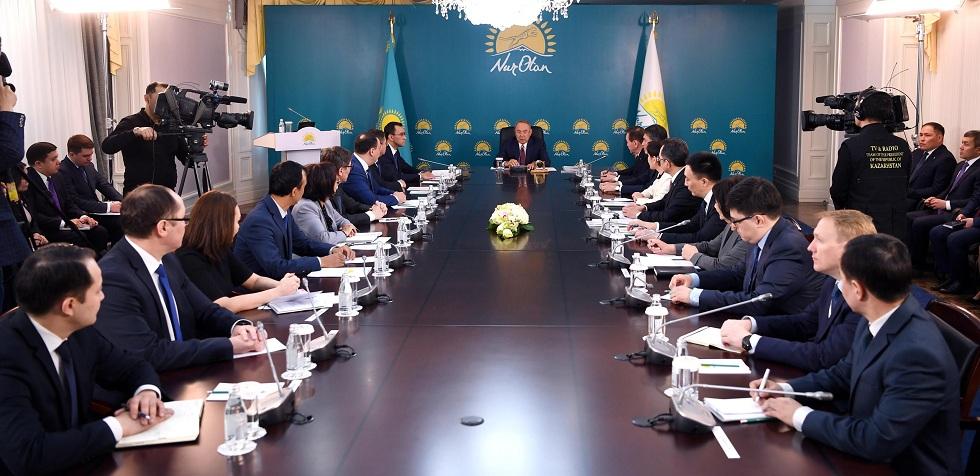 Нурсултан Назарбаев рассказал о необходимости досрочных выборов