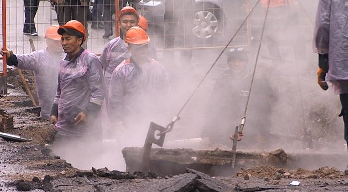 Прорванная теплотрасса в Алматы эксплуатировалась 27 лет - Ян Гирин