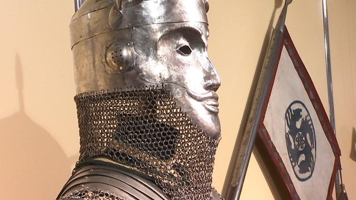 Доспехи и холодное оружие сакских времён представили в Алматы