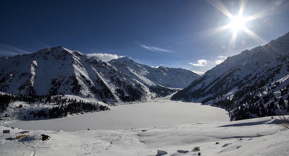 Сход снежных лавин возможен в горах Алматы – Казгидромет о погоде на выходные