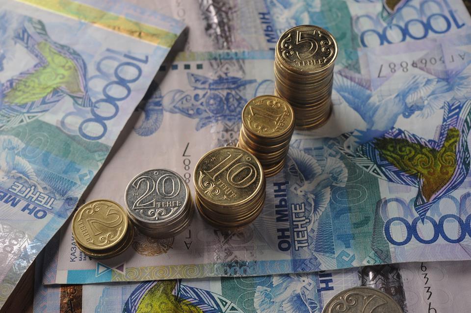 Размер среднемесячной зарплаты в Казахстане составил 172 тыс. тенге