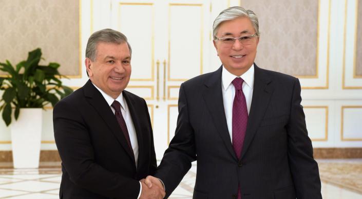 Касым-Жомарт Токаев пригласил президента Узбекистана приехать с ответным визитом