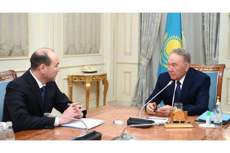 Нурсултан Назарбаев принял генерального прокурора РК