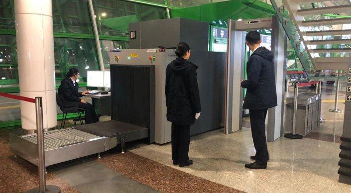 Усиленные меры безопасности в аэропортах и на вокзалах Казахстана продлятся до 10 мая
