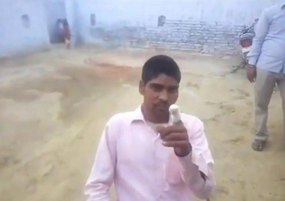 """Житель Индии отрезал себе палец, проголосовав """"не за ту"""" партию"""