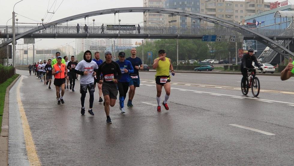 15 суток ареста получили нарушители порядка на марафоне в Алматы