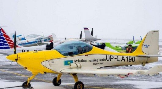 Возможные причины крушения двухместного самолета в Караганде озвучили в МИИР