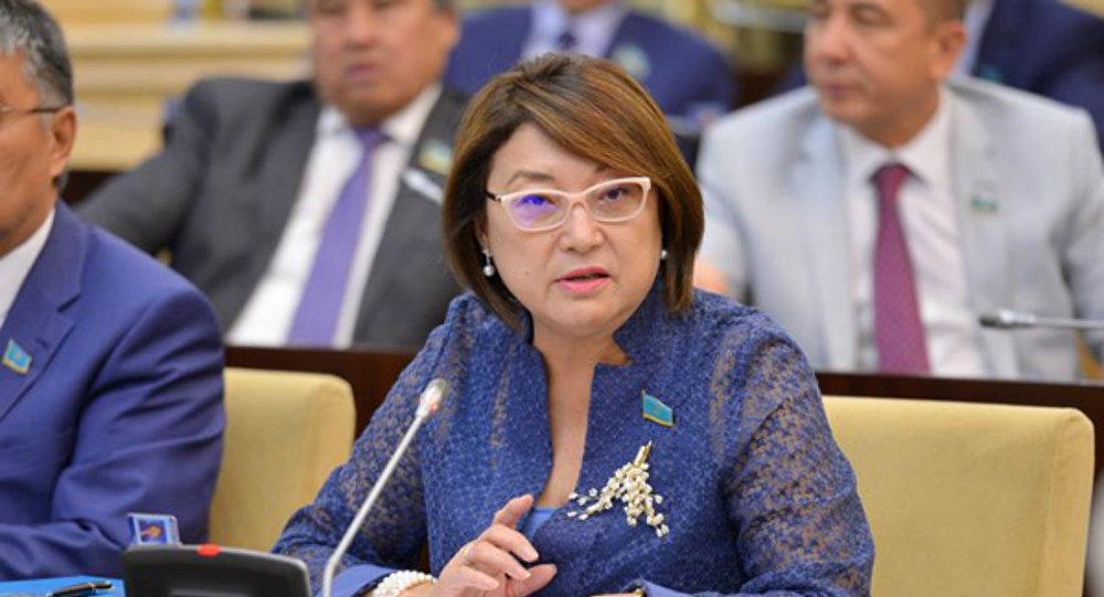 Сенатор Айтимова обратилась в полицию: в соцсетях распространяют ложную информацию