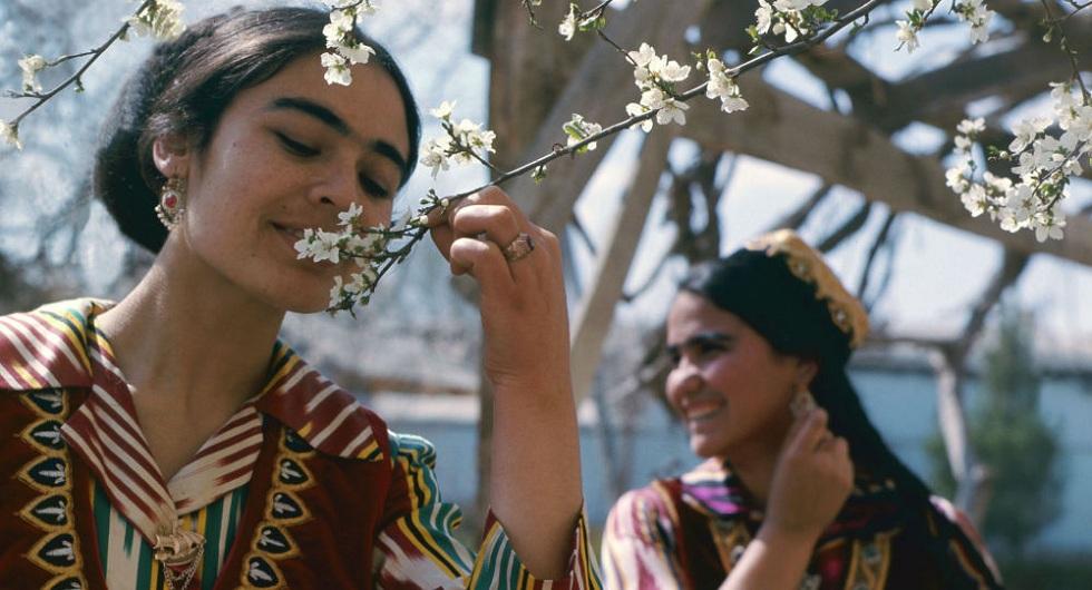 Өзбекстанда қыздарға 17 жастан күйеуге шығуға тыйым салынады