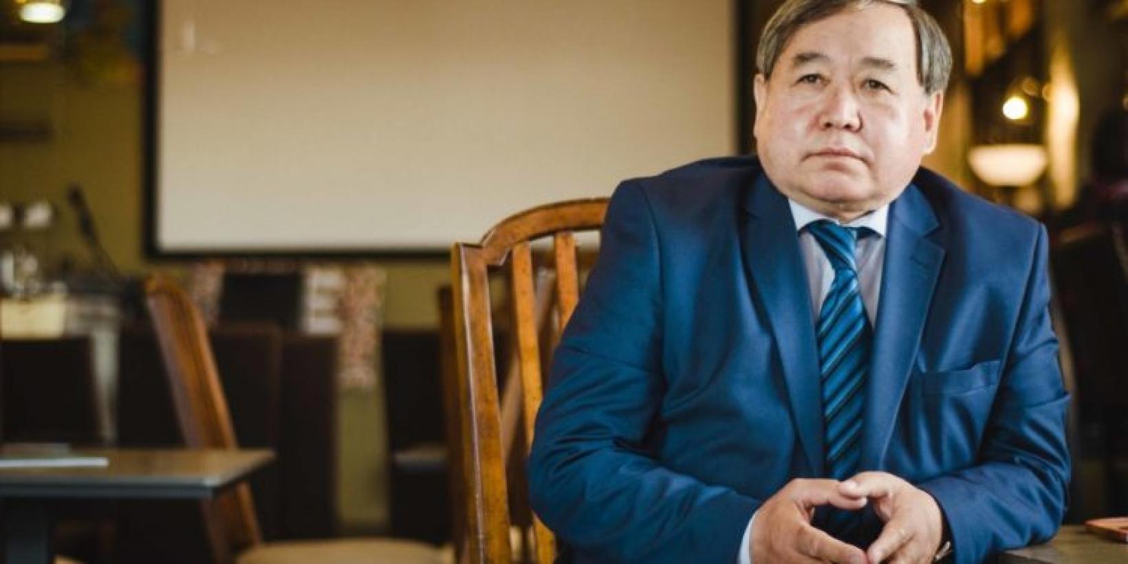 Кандидат в президенты Садыбек Тугел сдал экзамен на знание госязыка - что о нем известно?