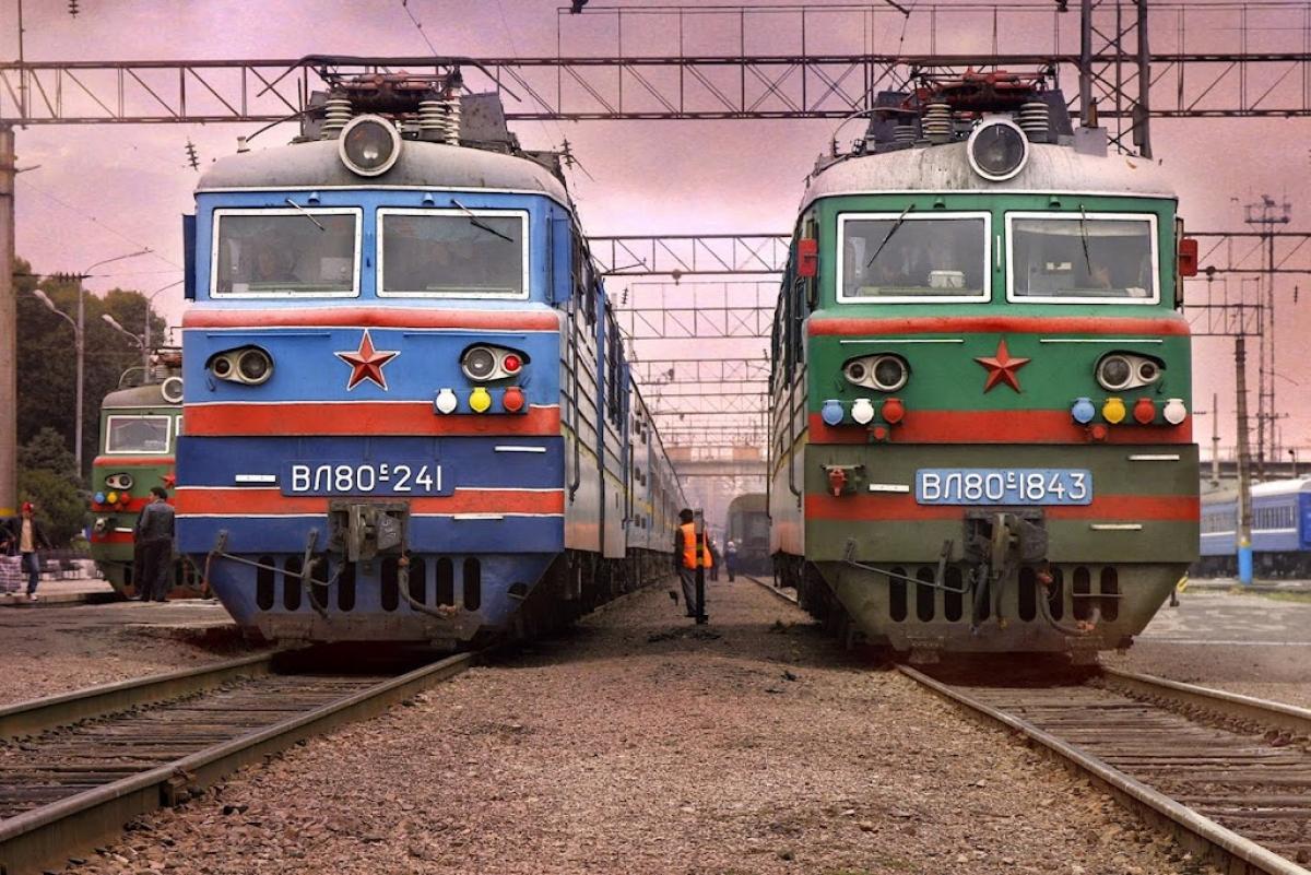 Дополнительные поезда будут курсировать по Казахстану на майские праздники