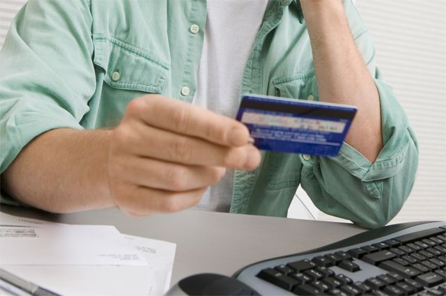 Мошенники, представляясь сотрудниками банков, выманивают у клиентов данные карт в Нур-Султане