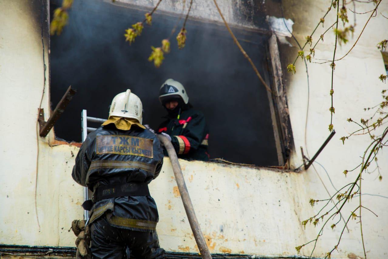 Пожар в общежитии Нур-Султана: 14 детей пострадало