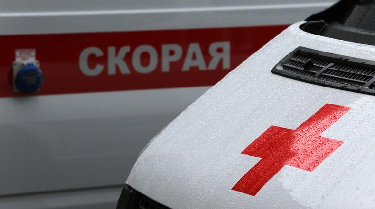 Пассажир в реанимации, пилот потерял сознание - разгерметизация салона самолета SCAT