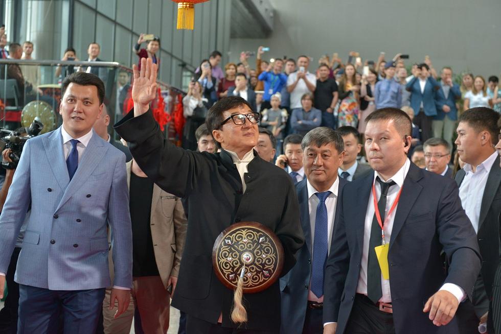Джеки Чан намерен снимать фильм в Казахстане