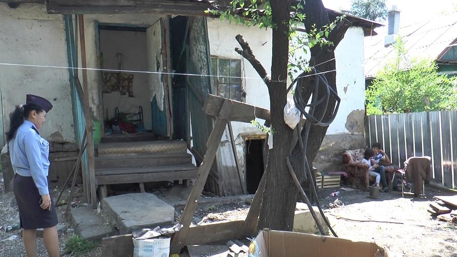 В Турксибском районе выявляют детей из неблагополучных семей