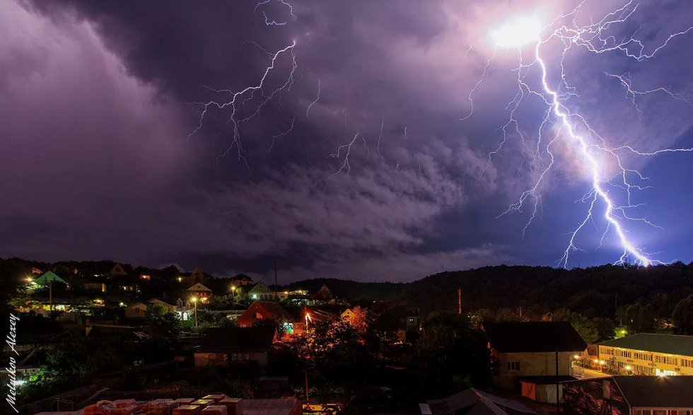 Дождь, гроза, сильный ветер и заморозки: прогноз погоды в Казахстане на 24 мая