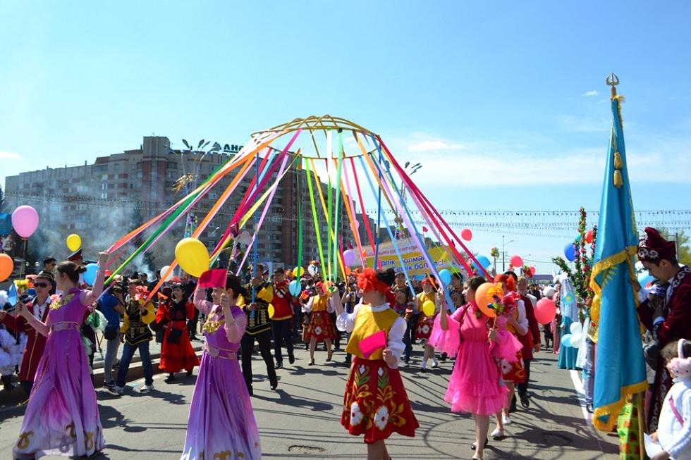 Обеспечивать безопасность на массовых гуляньях в Казахстане станут частные фирмы