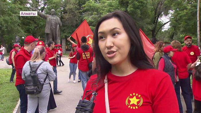 Коммунисты устроили забег в честь своего кандидата Жамбыла Ахметбекова