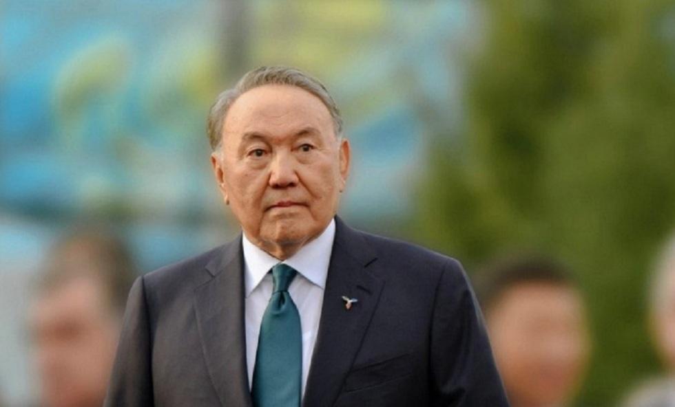 """Статус """"Почетный сенатор"""" присвоят Нурсултану Назарбаеву"""