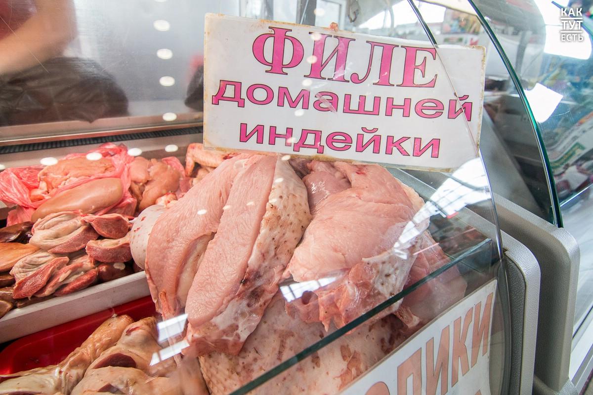 Санврачи Алматы назвали рынки, где горожане приобретали испорченные продукты и получали отравление