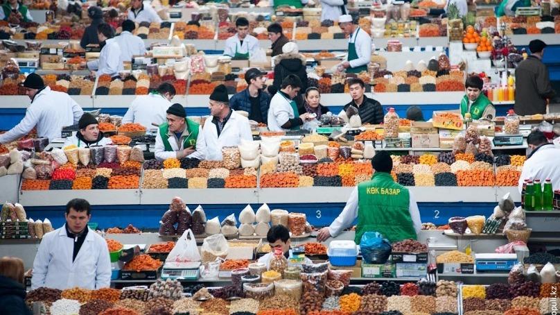 Еще пять рынков Алматы поддержали инициативу сделать день выборов санитарным днём