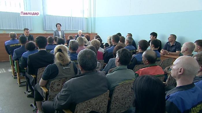 В фармацевтической компании и на заводе Павлодара побывала Дания Еспаева