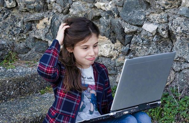 Вакансии для школьников: где могут подзаработать дети на летних каникулах?