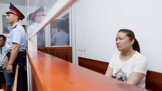 Сайрагуль Сауытбай покинула с семьей Казахстан, не дождавшись решения о получении статуса беженки