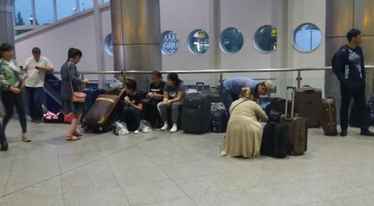 В аэропорту Алматы убрали сиденья - администрация объяснила причину