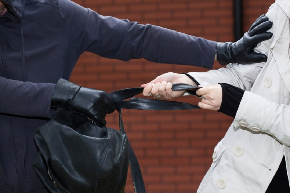 Грабил только женщин: любителя дамских сумок задержали в Алматы