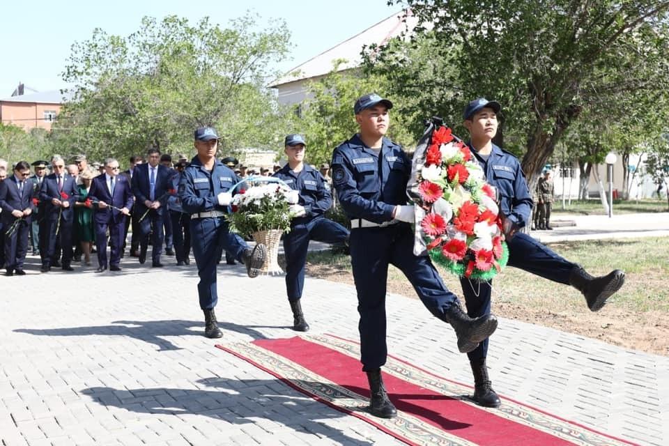 В Актобе почтили память погибших военнослужащих в теракте 2016 года