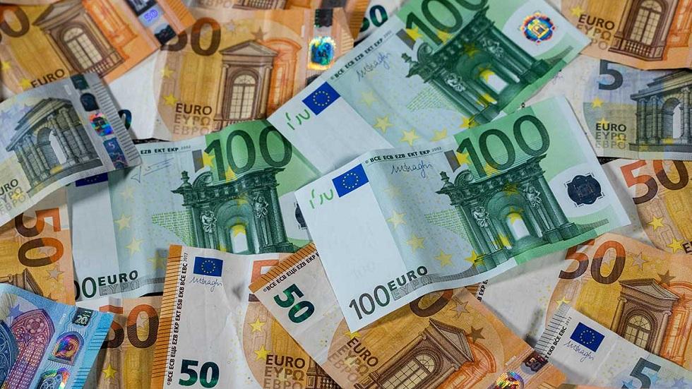 В Казахстане резко увеличился спрос на евро