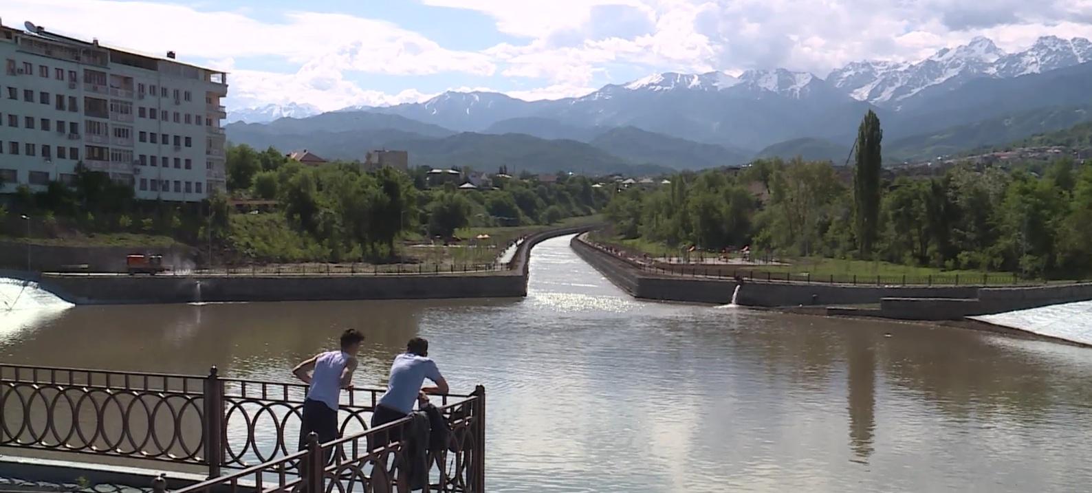 Набережную вдоль реки Есентай построили в Алматы