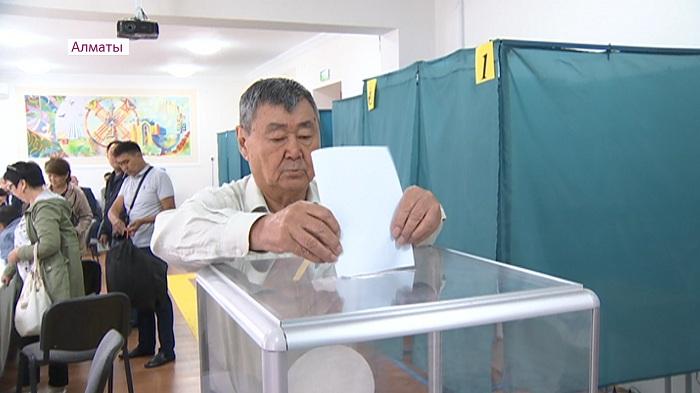 Наблюдатели из России работают на 384 участке в Алматы