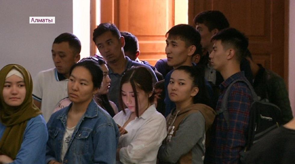 Студенты Алматы показали образец активности  голосования на выборах