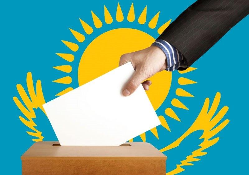 В Алматы многодетные матери приходили голосовать с маленькими детьми