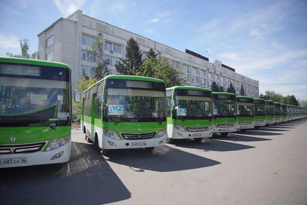 60 новых автобусов так и не вышли на маршруты в Семее