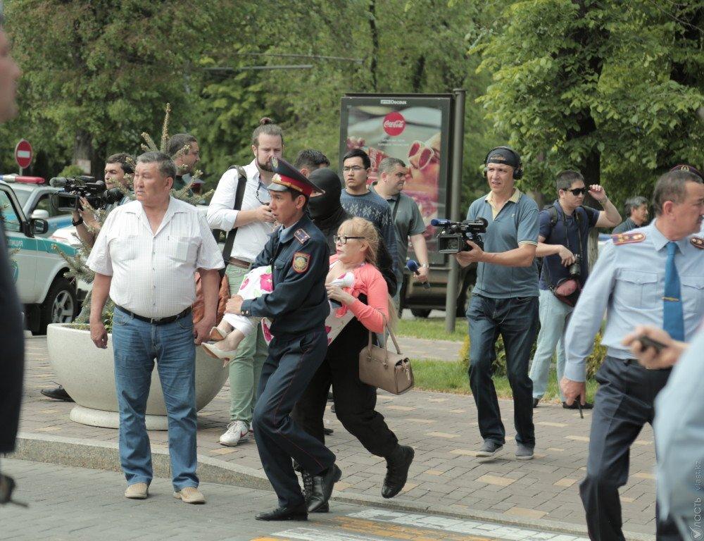 Около 4 тысяч человек задержано во время митингов в Казахстане