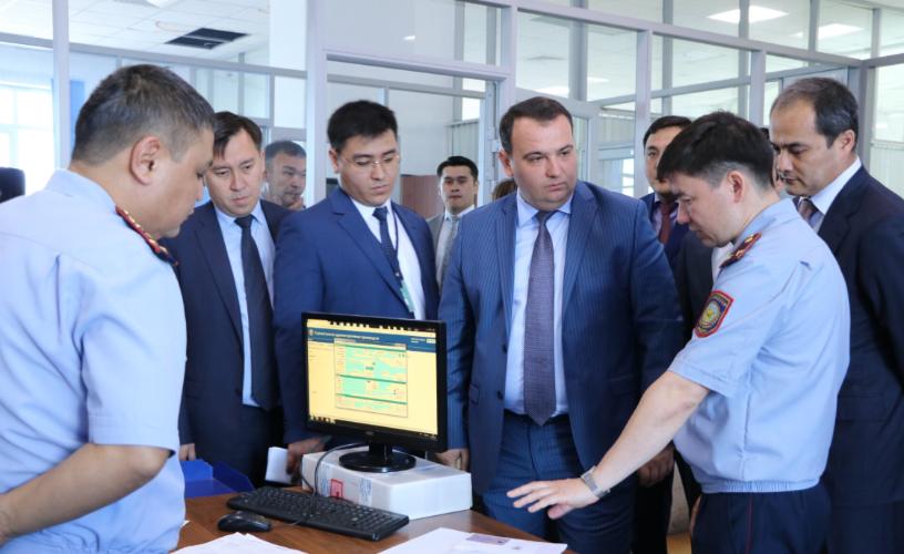 Разобраться с техническими сбоями в ЦОНах пообещали в Nur Otan