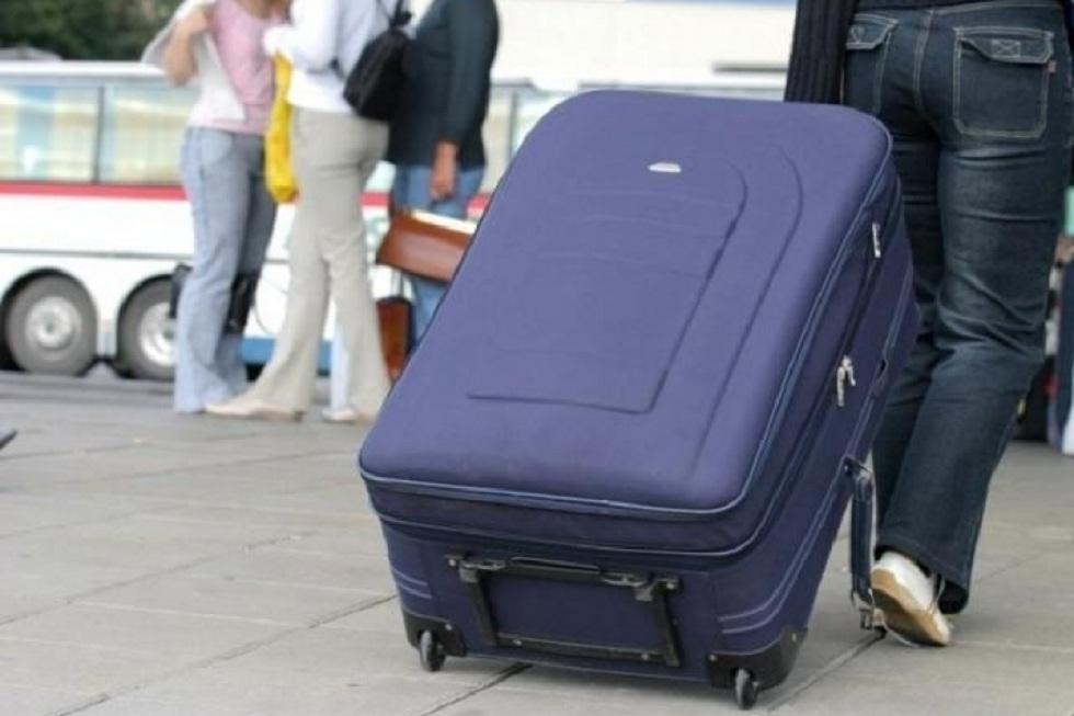 Более 8 тысяч человек покинули Казахстан за 3 месяца