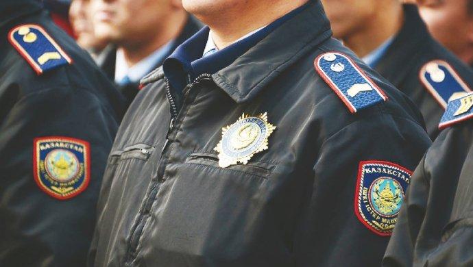Полицейским повысят зарплату в Казахстане
