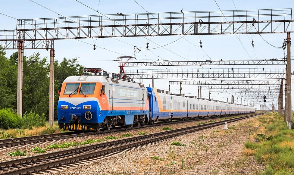 Маршруты 10 поездов изменят из-за ЧП в Арыси