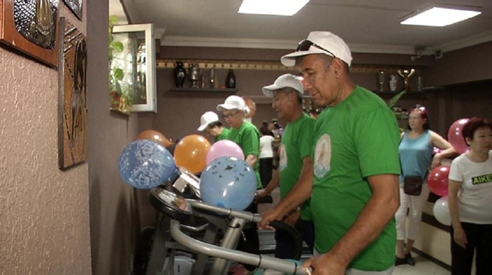 Бесплатный тренажерный зал для пожилых открыли в Алматы